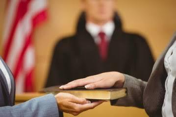 Responde por falso testemunho quem não se compromissou a dizer a verdade?